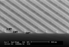 Photoresist-Gitter-mit-180-nm-Periode