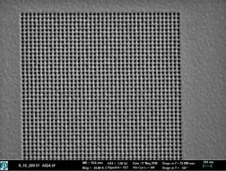 REM-Bilder-CSAR62-Nano-Lochstrukturen